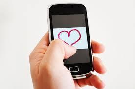 La relation avec le téléphone portable est-elle source de bonheur pour les adolescents ?